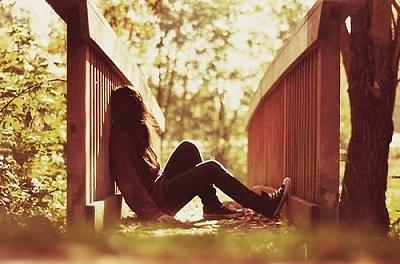 alone-girl-2-.jpg