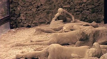 Exp8 Pompeii 1 شهری که مردمش بخاطر زنا و لواط به مجسمه های سنگی تبدیل شدند!+ تصاویر